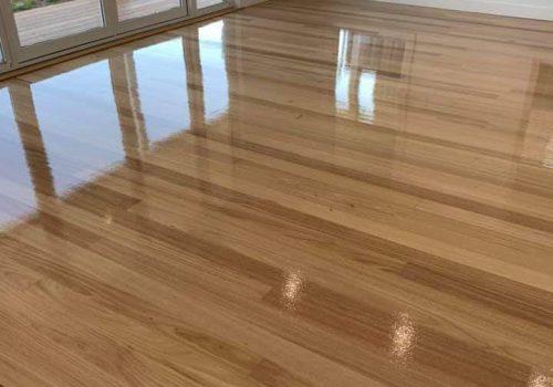 Glued down solid floor